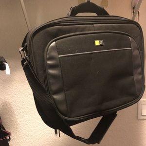Case logic laptop bag like new.